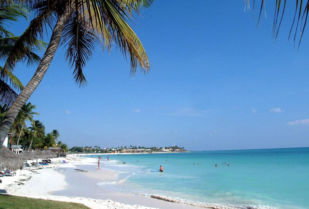Aproveite o mar cristalino de Aruba
