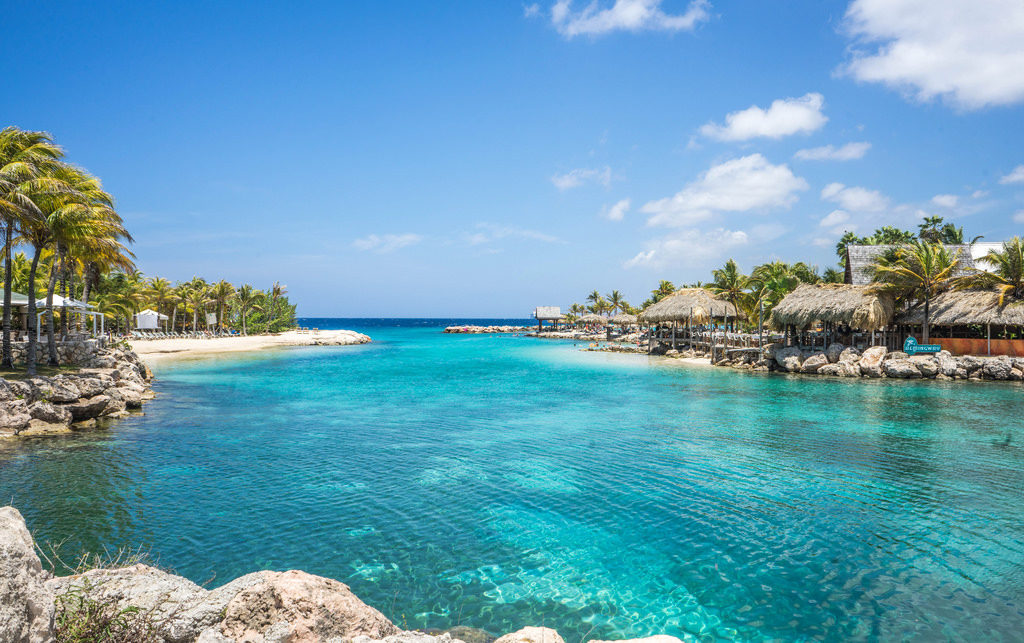 No terceiro dia de viagem, você aproveita o cruzeiro por Curaçao.