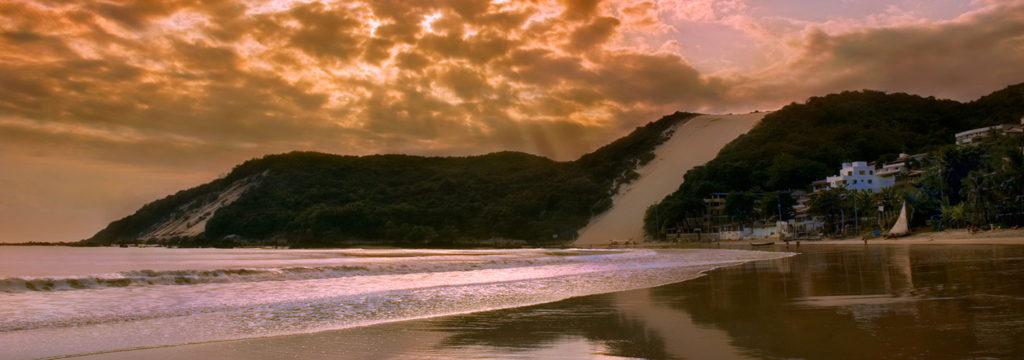 Praia de Ponta Negra: a praia mais conhecida da cidade
