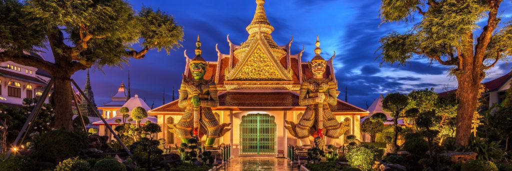 Wat Arun, considerado o cartão-postal da Tailândia.